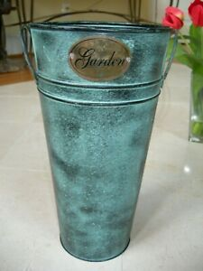 Country Farmhouse Decor Blue Tin Metal Cut Flower Container Bucket With Handles