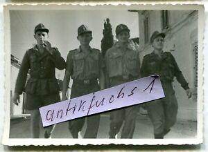 Foto - 6 : Deutsche Soldaten der 26.Panzer-Division in italien im Juli 1944