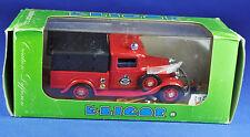 Eligor 1049 RENAULT KZ 1928, pompier premier ministre Secours Pompiers/Fire s'en vont.