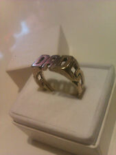 9ct Solid Gold Dad Ring with Curb Link Style Shoulders Size R