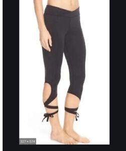 Free People Movement Turnout Leggings Tie Bottom Capri Dance Yoga  Medium Black