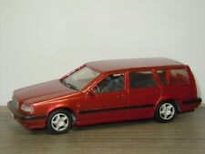 Volvo 850 Estate 1995 - Doorkey AHC Models 1:43 *42360
