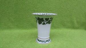 Meissen Vase Trompetenvase Eichenblätter grün-weiss