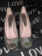 Stunning Gucci Platform Gold Shoes size 6