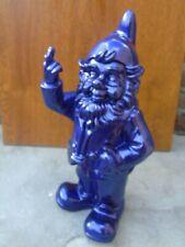 NAIN au doigt d honneur mauve pailleté , statue d un nain de jardin collection