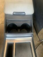 CHRYSLER 300C CENTRE CUP HOLDERS ONLY 2005-7 Crd Hemi