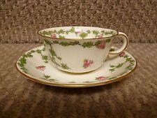 Antico (1904) Royal Crown Derby 6979 Floreale Rose Pattern Tazza e Piattino
