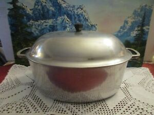 "Vintage Household Institute Aluminum Oval 15"" Roaster/Dutch Oven w/ Basting Lid"