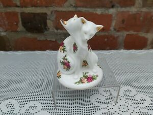 """Royal Albert Old Country Roses Paperweight """"Cats Entwined"""" 12cms tall"""