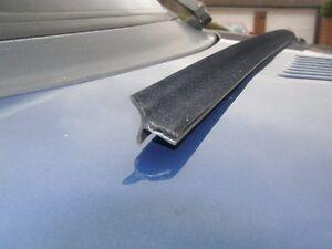 SAAB 900 classic  door window scraper seal rubber for front window   5 door