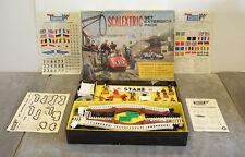 Vintage Scalextric HP/1 Set Extension Pack (figuras, cercas, puerta, Puente, Etc)