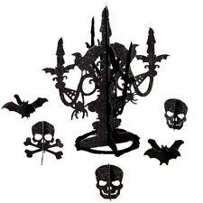 Tischdekoration für Halloween in Schwarz