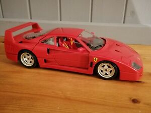 Ferrari F40 Rosso Red made in Italy by Bburago 1:18 lovely condition