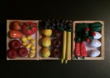 * DOLLHOUSE MINIATURE FOOD FRUIT + VEGETABLES IN 3 WOODEN CRATES GROCER 1/12 *