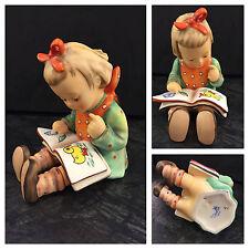 Hummel 8 Der Bücherwurm Mädchen mit Buch Hummelfigur Göbel Figur Porzellan