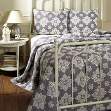 GREY MEDALLION ** King ** QUILT SET : GRAY MODERN WHITE COTTAGE CHIC ADELAIDE