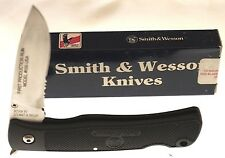 Smith & Wesson Knife MADE IN USA- FIRST PRODUCTION RUN- Model #550 USA- Vintage!