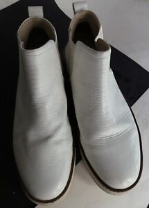White Boots (UK size 7 Euro 40)