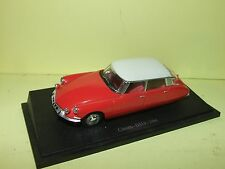 CITROEN DS 19 PRESTIGE 1966 Rouge Toit Blan UNIVERSAL HOBBIES sur socle 1:43