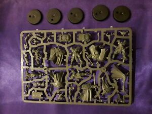 Warhammer - Slaves to Darkness - 5 chaos warriors - NEW on sprue with bases (A)
