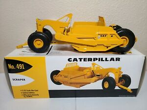 Caterpillar Cat 491 Pull Scraper - First Gear 1:25 Scale Model #49-0175 New!