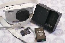Nikon 1 J2 (nur) Gehäuse in Weiß - 12 Monate Gewährleistung