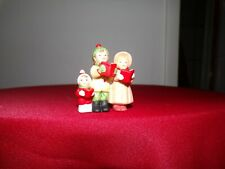 lefton colonial village figurines : Mark Carrie & Nicky (Kids Caroling) 05828