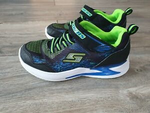 Sketchers Schuhe/Sneakers Jungen mit Blinklicht Gr. 36
