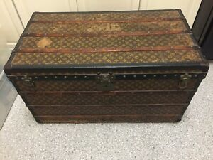 Louis Vuitton steamer trunk (early 1900's)