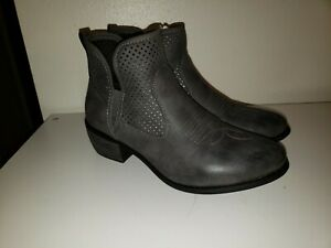 Ankle🐎 Boots🐎 Booties Low Cut Size 9 gray
