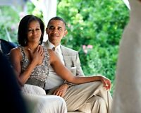 PRESIDENT BARACK OBAMA AND MICHELLE OBSERVE WEDDING VOWS - 8X10 PHOTO (DD-075)
