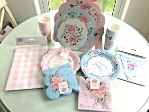 Beautiful Party Tableware 3 set to pick from, Cups, Plates, Napkins Cake Stand