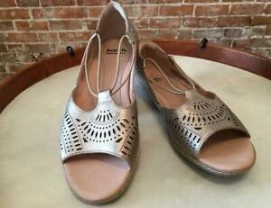 Earth Gold Perforated Leather Camellia Nauset Slip on Sandals NEW