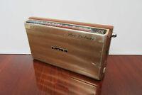"""Lark """"New Deluxe"""" Vintage Transitor Radio"""