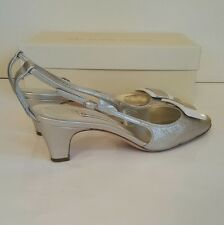 L'autre Chose silver kitten heel slingback shoes. UK 6.