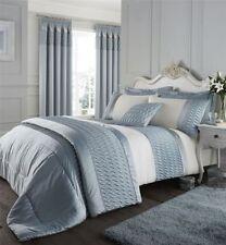 Couvre-lit bleu pour chambre