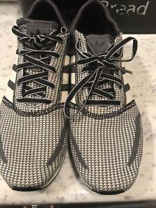 Adidas LA Trainers Size 8.5 In VGC