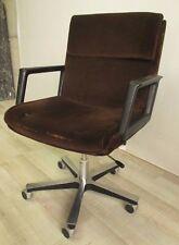 Poltrona girevole vintage - anni 70 - seduta in velluto - struttura in acciaio.