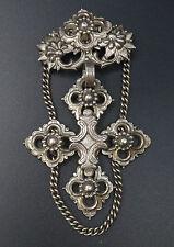 Reminiscence Zoé Coste vintage grande croix régionaliste metal argenté broche
