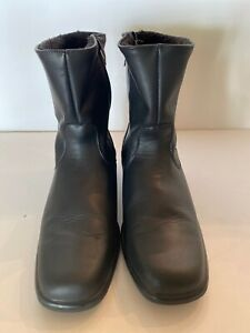 Toe Warmer Boots/womens Size 11 S Made In Canada