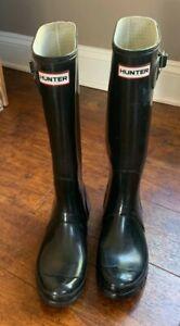 Hunter Women's Original Tall Gloss Wellie/Rain Boot-Black Size-6