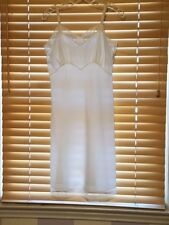Vintage 1950's Character Hand Detailed Crepe Ivory Full Slip W/Emb Bodice. Sz.34