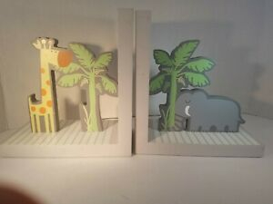 """Creative Concepts Bookends For Kids, 7 x 7 1/2"""" made of wood. Gray, white stripe"""