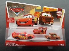 DISNEY PIXAR CARS LIGHTNING MCQUEEN WITH SIGN AND FRED 2013 2 PACK SAVE 5% WORLD