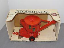 Vintage ERTL JI CASE Grinder Mixer Mill 1:16 Farm Toy Tractor NIB very RARE!