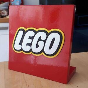 Logo décoratif LEGO à poser (Bois + Plastique)