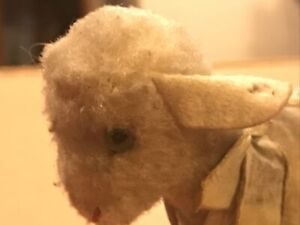 """Vintage 4"""" Lamby Lamb - It's Had A Hard Life And Needs TLC - No Button Or Tag"""