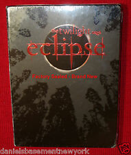 TWILIGHT ECLIPSE WITH 6 COLLECTIBLE CARDS  2 DVD SET NEW, SEALED **SHIPS FREE**