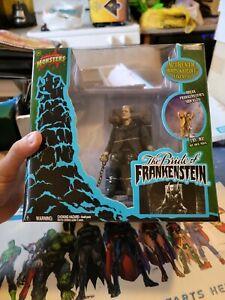 Frankenstein Shackle Breaking Diorama Universal Monsters Jakks Pacific 2003