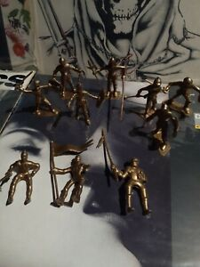 vintage Marx 1960s Gold Mounted & standing Knights Plastic Toy Figure lot of 10